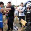 A fiatalok kipróbálták a rohamrendőri felszerelést is (Fotó: Csincsik Zsolt)